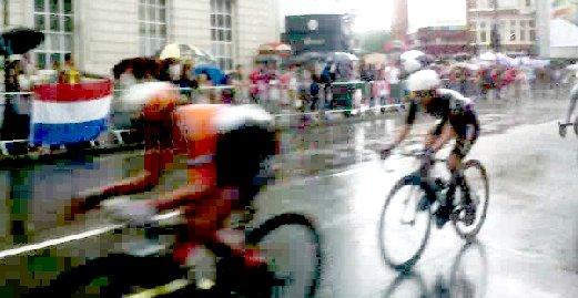 Snapshot from video clip - Marianne Vos Lizzie Armitstead Olga Zabelinskaya - Fulham Road, London Olympics Womens Cycling Road Race 29 July 2012